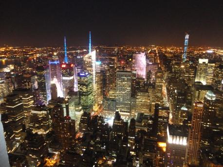 traveler-empire-state-building-new-york